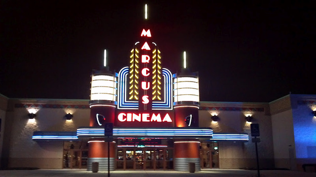 marcus theatres opens ultrascreen in illinois   national
